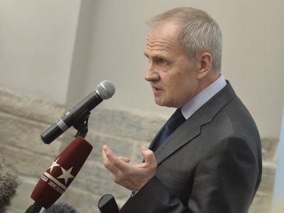 Валерий Зорькин заступился за судебное толкование права