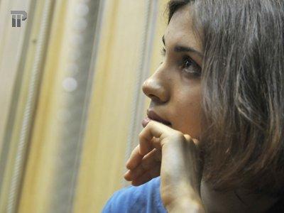 Замначальника колонии просит возбудить уголовное дело на адвоката и мужа солистки Pussy Riot