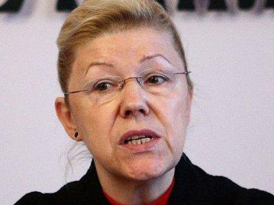 """Глава комитета Госдумы, заявившая о воздействии на т.н. """"черные списки"""" сайтов """"педофильского лобби"""", решила смягчить законопроект"""