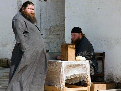 Священники по договоренности с приставами будут убеждать должников, что невозврат денег приравнен к воровству
