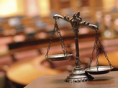 Российский суд теряет завоеванное доверие