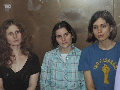 Защита участниц панк-группы Pussy Riot обжаловала 2-летний приговор
