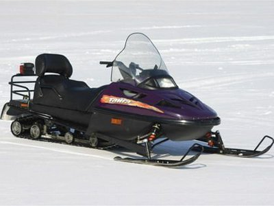 Покупатель, которому не вернули деньги за неисправный снегоход, отсудил на 435 000 руб. больше