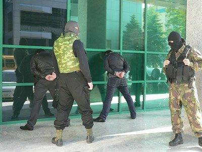"""Задержаны """"черные банкиры"""", заработавшие за три года 500 млн руб."""
