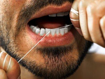 Заключенные в США судятся за право пользоваться зубной нитью