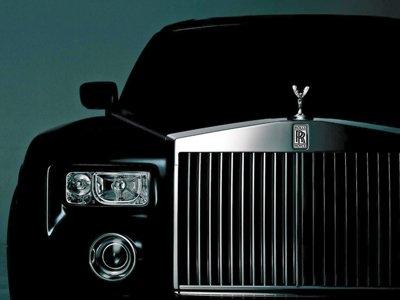 Возбуждено дело по поджогу дюжины Rolls-Royce, Bentley, Porsche и Mercedes на 100 млн руб.