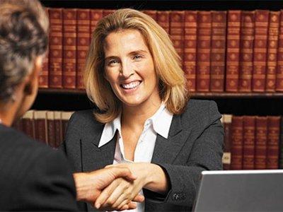 Женщины-юристы: сомнительное преимущество