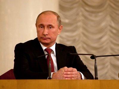 Президент ограничил чиновников в приеме на работу зятьев и невесток