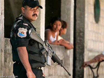 В Мексике арестованы 22 полицейских, расстрелявших автобус с протестующими студентами