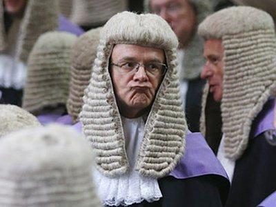 Британским судьям решили повысить зарплату на 1%