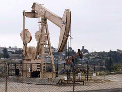 Правительство обеспечит стабильный налоговый режим для нефтяников после встряски отрасли