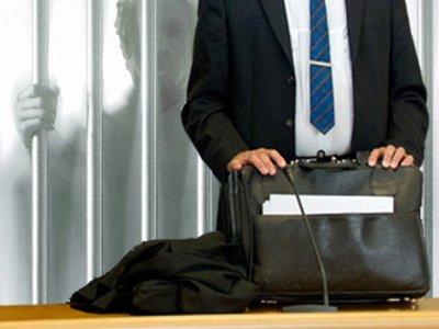 Адвоката, поспорившего с судьей, наказали коллеги