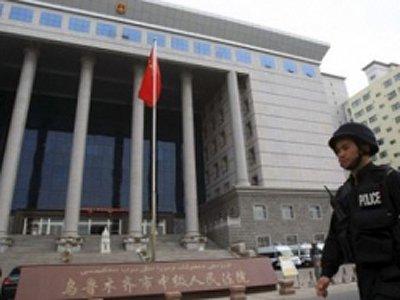 Китайский чиновник приговорен к смерти за взятки на железнодорожных тендерах