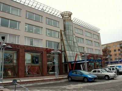 Показательный спор по поводу ответственности директоров связан с этим зданием в Омске