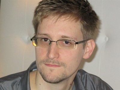 Заявление Сноудена о предоставлении ему временного убежища в России ФМС рассмотрит в течение трех месяцев