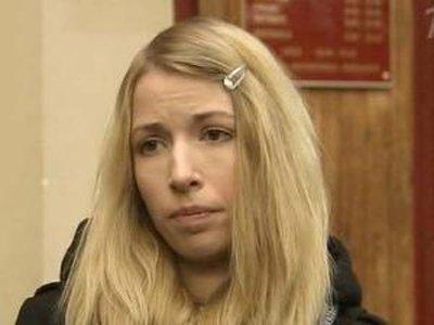 Студентка, ранившая в метро напавших на ее друзей молодых людей, освобождена по УДО