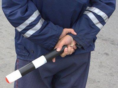 ВС решил, могут ли инспекторы ДПС останавливать машины вне постов