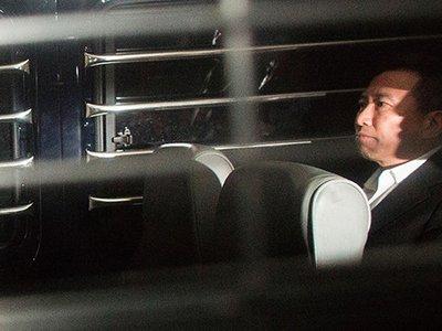 Любовник самой богатой женщины Азии получил 12 лет за подделку ее завещания