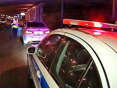 Возбужено дело на водителя Toyota Camry, протащившего 300 м по подмосковной дороге инспектора ДПС