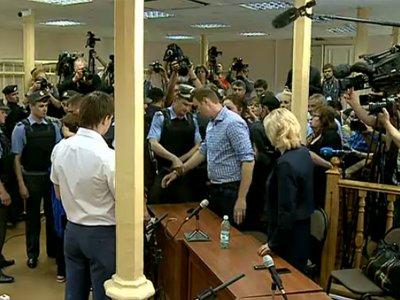 Прокуратура хочет оставить Навального на свободе до апелляции