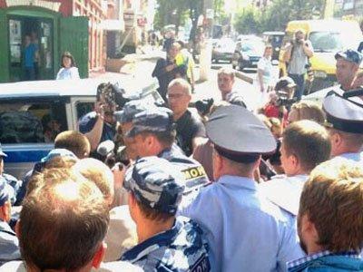 Полиция освободила задержанных в Кирове сторонников Навального, материалы на которых направлены в суд