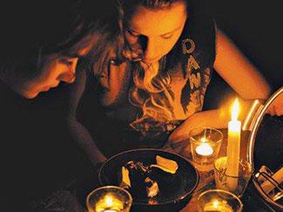 Колдуна, задержанного ФСБ, судят за незаконные оккультные практики с использованием восковых фигурок