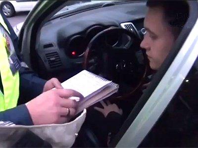 Прокуратура проверяет видео в интернете о конфликте своего сотрудника с подследственным инспектором ДПС