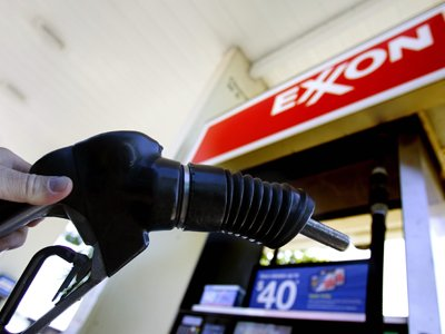 17 генпрокуроров американских штатов участвуют в деле Exxon Mobil