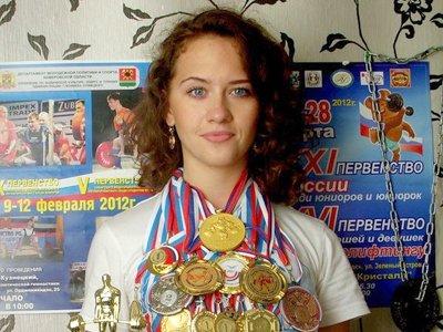 20-летняя чемпионка России по пауэрлифтингу, зарезавшая назойливого ухажера, получила 7 лет