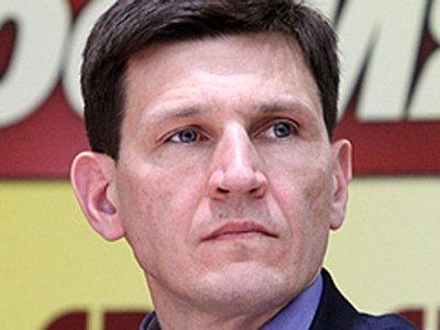 """Суд просят возбудить дело об избиении журналиста главой аппарата """"Справедливой России"""""""