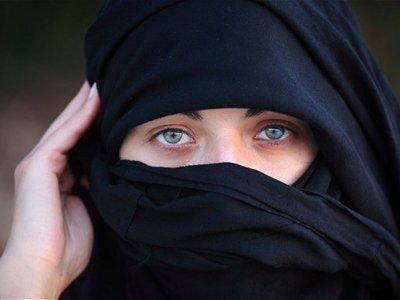 В лондонский суд не пустили подсудимую-мусульманку, одетую в паранджу