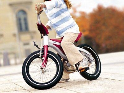 Пять британок в возрасте от 8 до 10 лет попались на краже велосипедов из детского сада на $800
