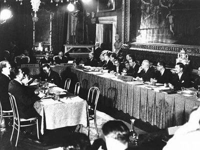 Представители первых стран-участниц подписывают Европейскую конвенция по правам человека. Рим, 1950 год.
