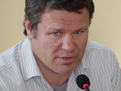 Суд не поверил актеру Олегу Тактарову, отрицавшему оскорбление метрдотеля в ресторане из-за счета