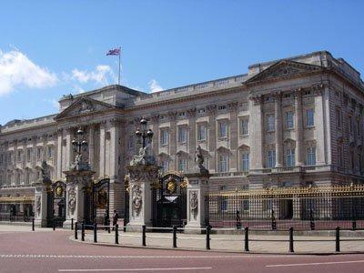 """В Лондоне арестованы """"домушники"""", пробравшиеся в Букингемский дворец"""