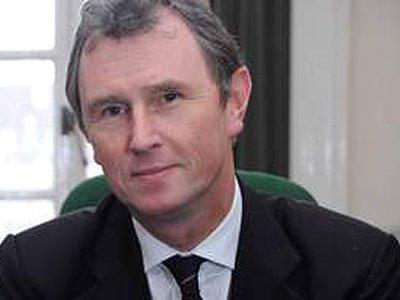 Вице-спикер британского парламента подал в отставку после ареста по обвинению в изнасиловании