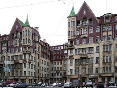 Приставы взыскали с петербургского Института управления и права 7,7 млн руб.