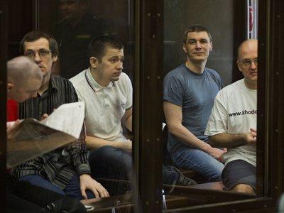 "Девяти фигурантам ""Болотного дела"" продлили арест на три месяца"