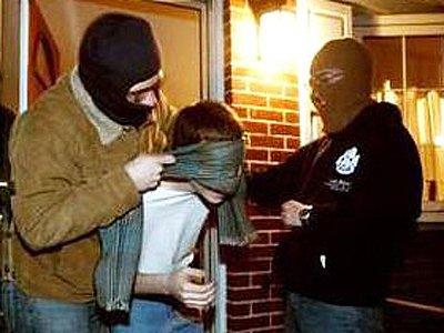 Потерпевший получил судимость за попытку выгородить полицейскую банду вымогателей