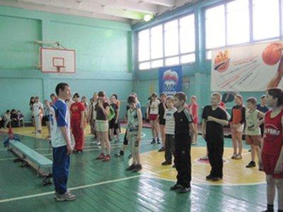 За удар баскетбольным мячом на уроке физкультуры в пользу третьеклассницы взыскано 160000 руб.