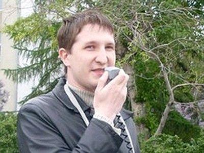 Андрей Кораблев является активистом местного отделения Союза воинствующих безбожников.