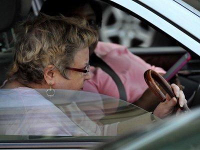 Власти Вашингтона просят суд приставить опекуна к женщине, позвонившей по номеру 911 рекордное число раз