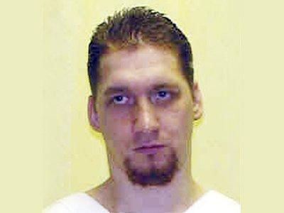 Убийца и насильник смог отложить свою казнь, в последний момент пожелав стать донором органов