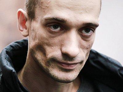 Акционисту Павленскому на полгода продлили арест за перформанс у здания ФСБ