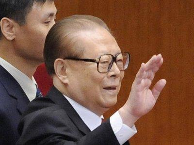 Суд Испании выдал ордер на арест бывшего председателя КНР Цзян Цзэминя