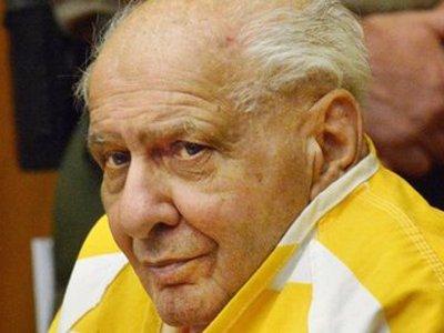 """79-летний """"алфавитный убийца"""" из Калифорнии приговорен к смертной казни"""