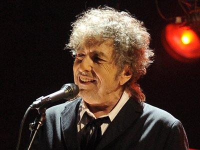 Бобу Дилану грозит суд во Франции после скандального интервью