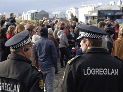 Впервые в истории Исландии полицейский застрелил человека