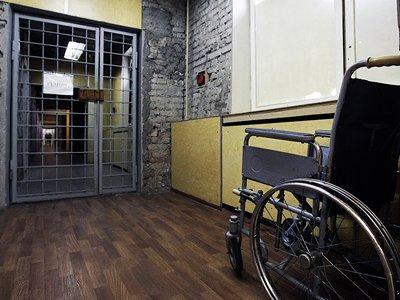 Московский суд приговорил почти полностью парализованного аудитора к 6 годам колонии
