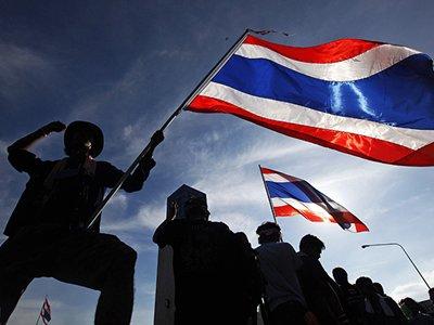 В Таиланде из-за протестов запретили собираться более, чем по пять человек